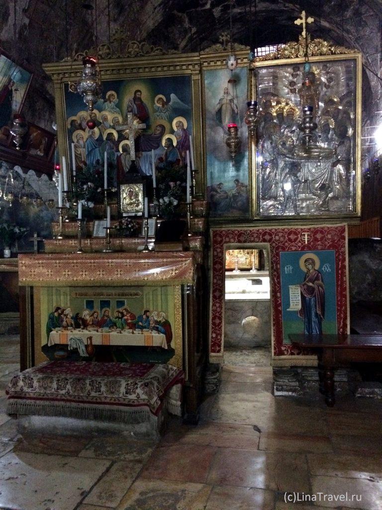Кувуклия в гробнице Девы Марии в Иерусалиме