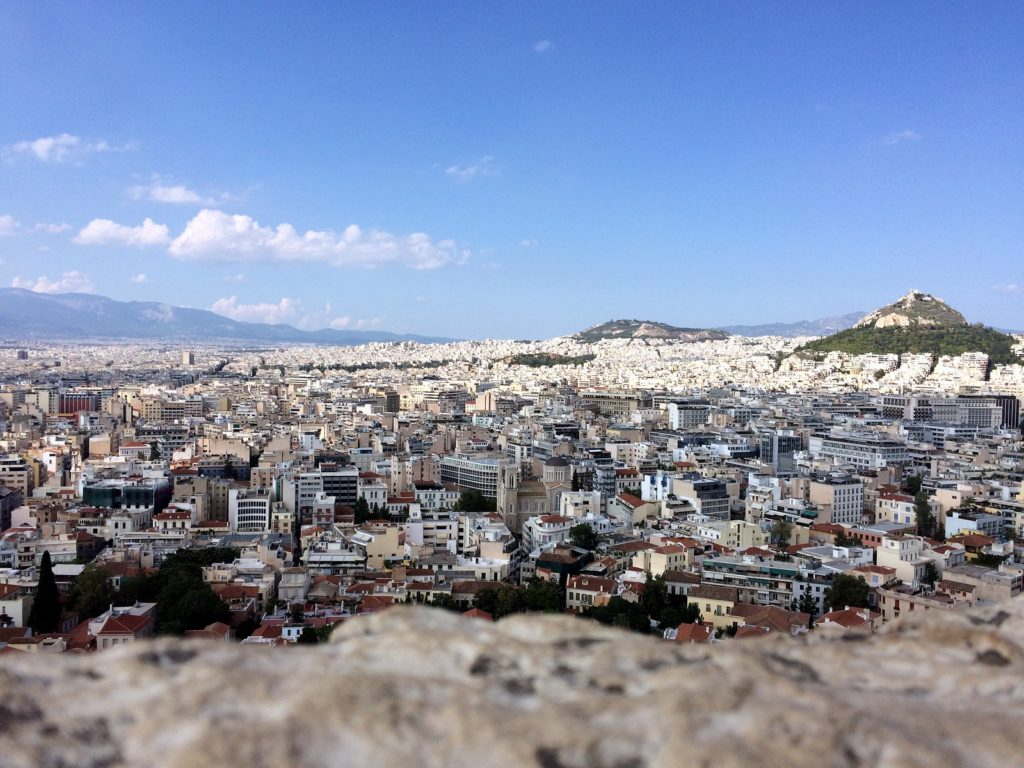 Вид на Афины и холм Ликавитос с Акрополя
