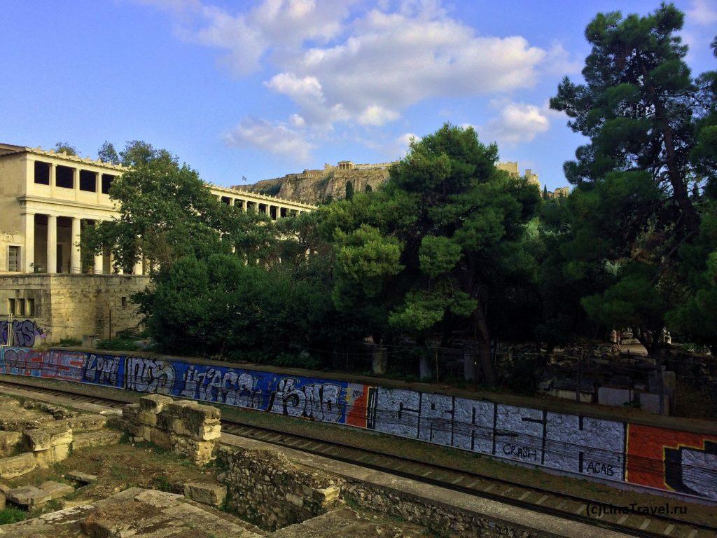 Вид на Акрополь со станции метро Монастираки