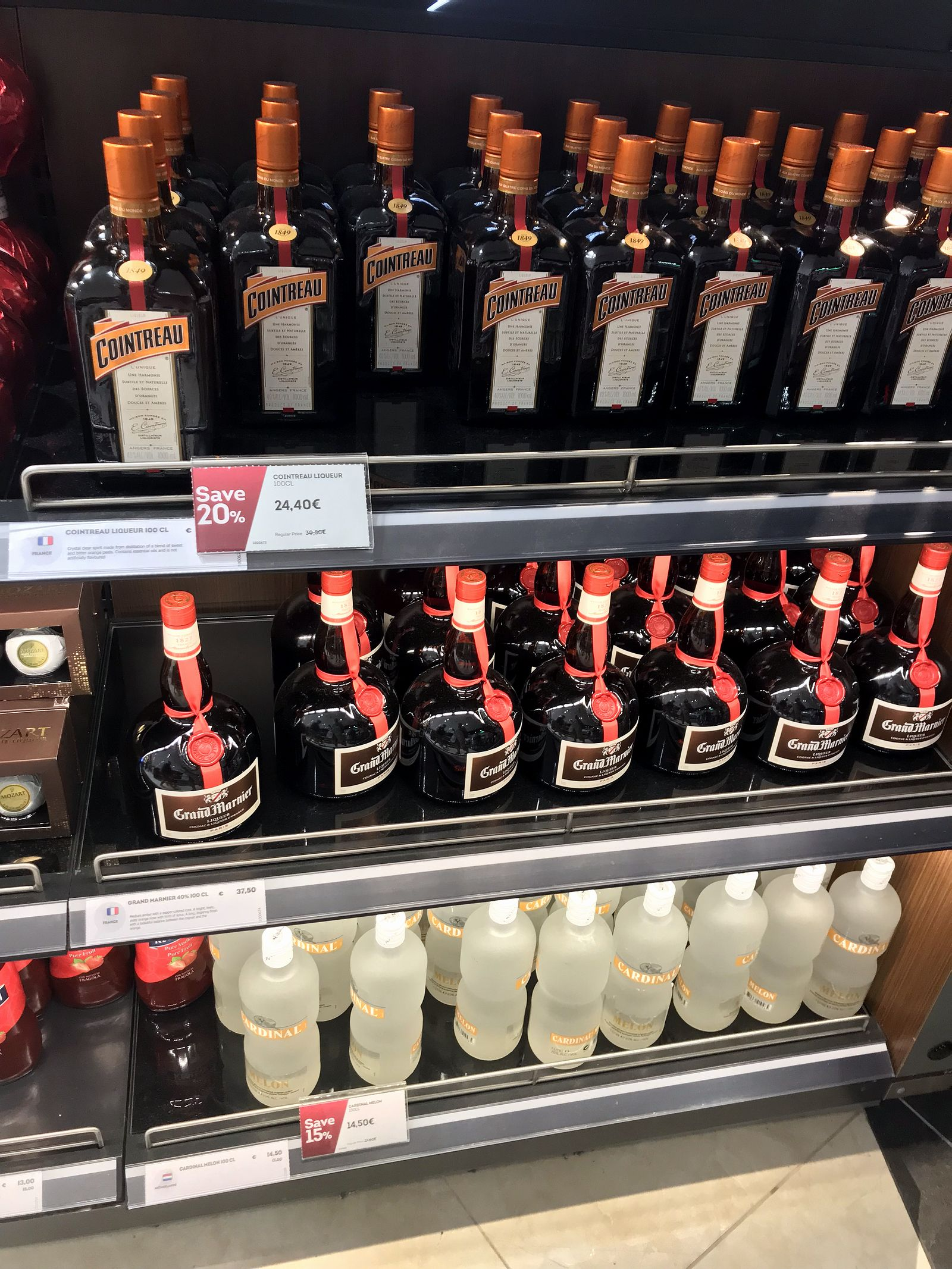 Duty free Antalya, august 2019, liqueur countreau, grand marnier