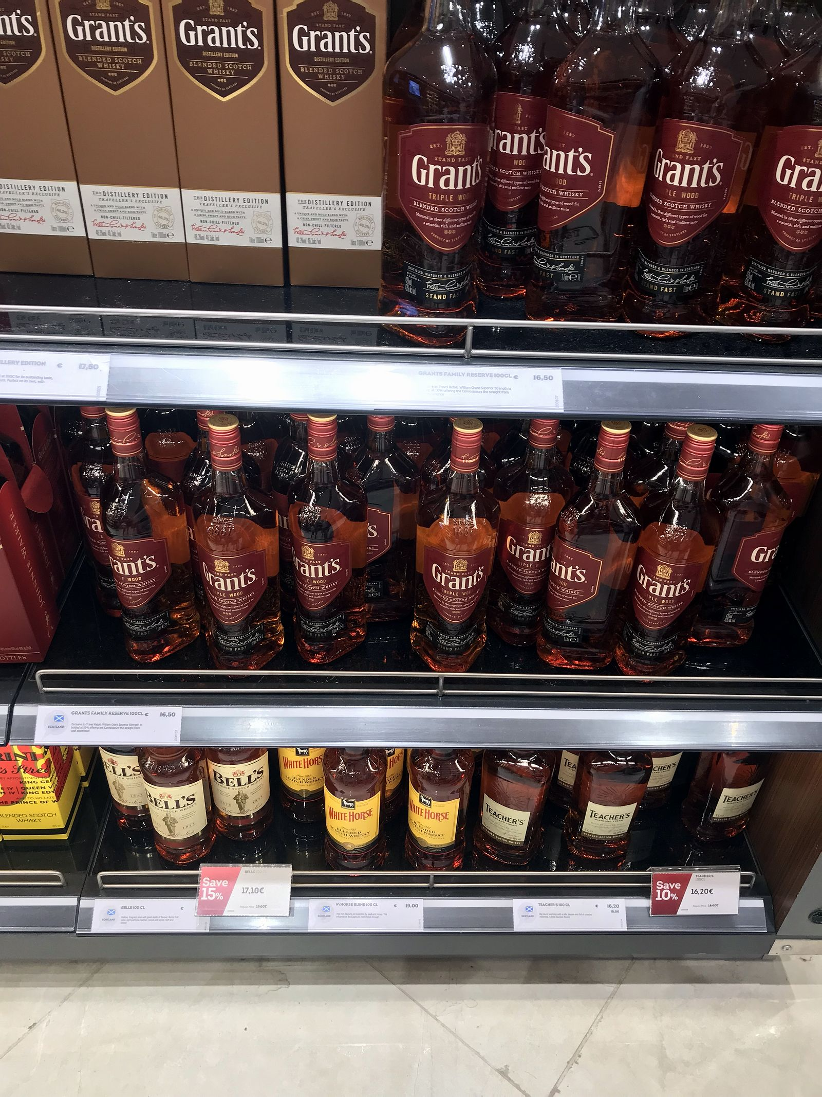 Duty free Antalya, august 2019, whiskey Grant's, White horse, Teachers