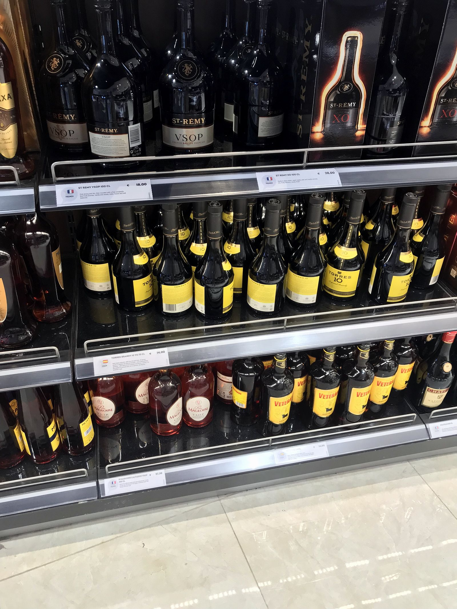 Duty free Antalya, august 2019, brandy Torres 10, St. Remy